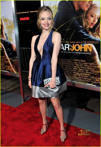 Amanda @ Dear John premiere