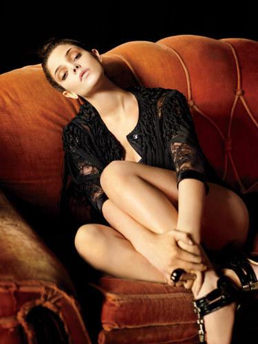Ashley Greene Gets Sexy In ren