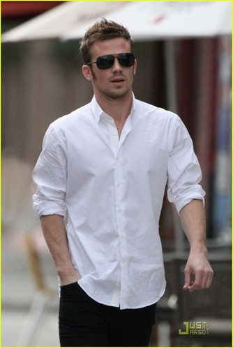 Cam Gigandet is a Shutter Bug - cam-gigandet Photo