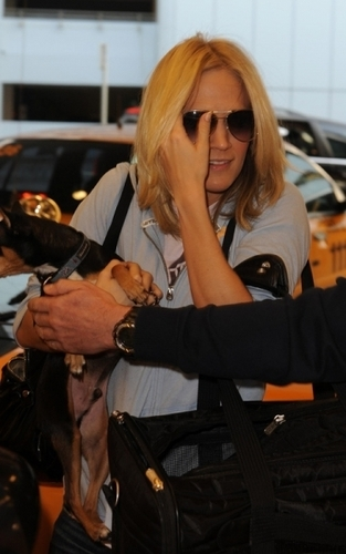 Carrie arriving in Miami