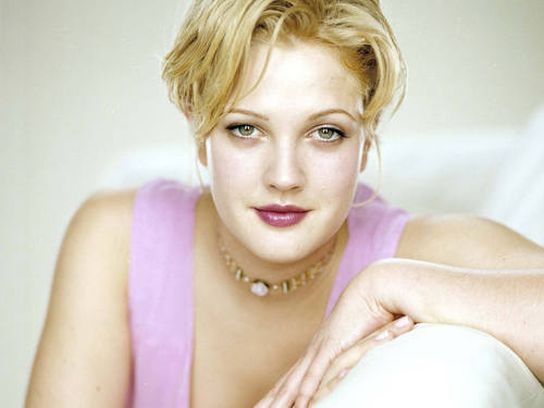 Drew Barrymore wallpaper titled Drew Pretty Wallpaper