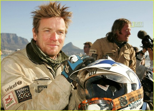 Ewan McGregor fondo de pantalla called Ewan McGregor's Motorcycle Madness is Over!