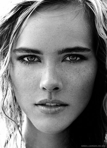 isabel lucas poseidon - photo #20
