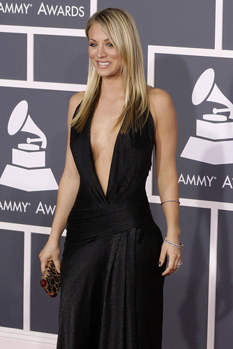Kaley Cuoco - Grammy Awards 2010 - the-big-bang-theory Photo