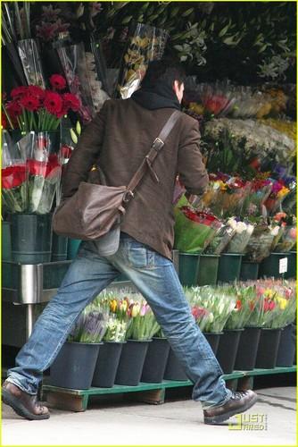 Keanu Reeves: SoHo Stroll