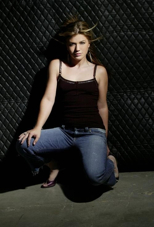 Kelly Clarkson Kelly Photoshoot