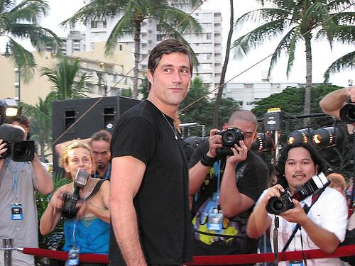 लॉस्ट Premiere Season6 on the समुद्र तट in Oahu