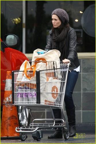 Mandy Moore: Grocery Gal