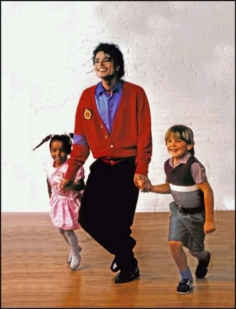 Mike and kids = sweet