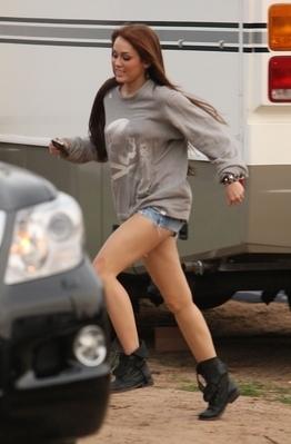 Miley on set Hannah Montana