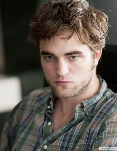 NEW - Robert Pattinson - Remember Me Stills