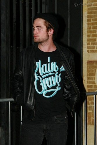 New/Old pics of Rob