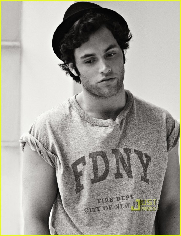 Пен Банджли PB-news-photoshoot-penn-badgley-10262777-691-903
