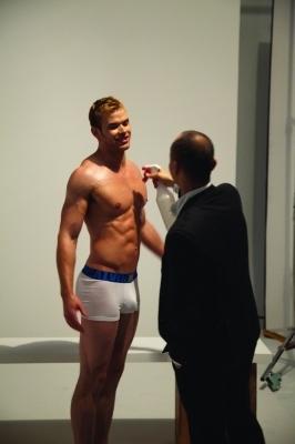 foto-foto Kellan - behind the scenes photoshoot Calvin Klein