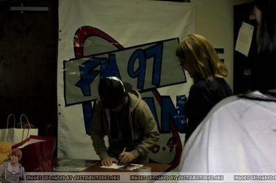 Radio Stations > 2009 > October 2009 - FM97