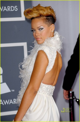 蕾哈娜 @ 2010 Gramm Awards