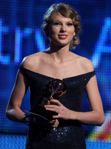 Taylor On Grammy Stage