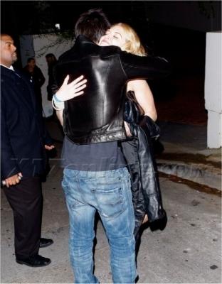 Taylor leaving Grammy Awards