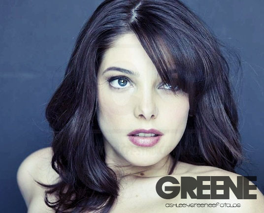 http://images2.fanpop.com/image/photos/10200000/ashleeygreenee-fotolog-ashley-greene-10289479-536-433.jpg