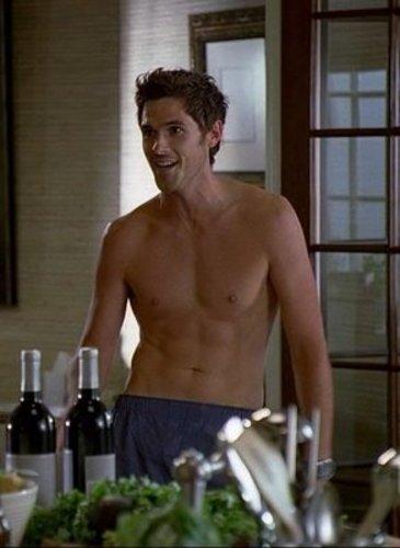dave shirtless!!!!!
