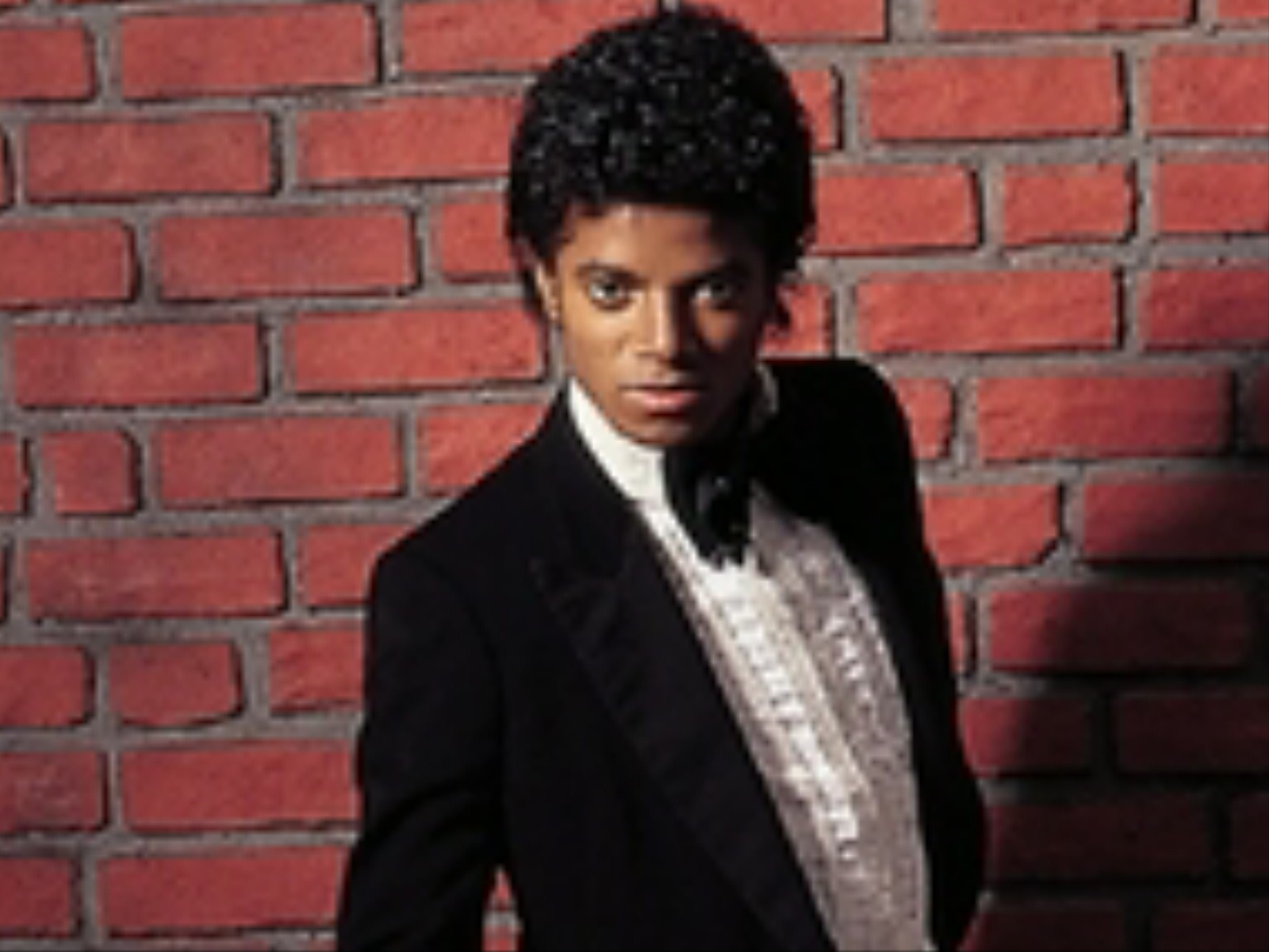 the musical career of michael jackson Michael's music career began with the formation of the jackson 5 in 1963, when he joined his brothers, jackie, tito, marlon, and jermaine in their already booming musical group this was the start of michael's singing career.
