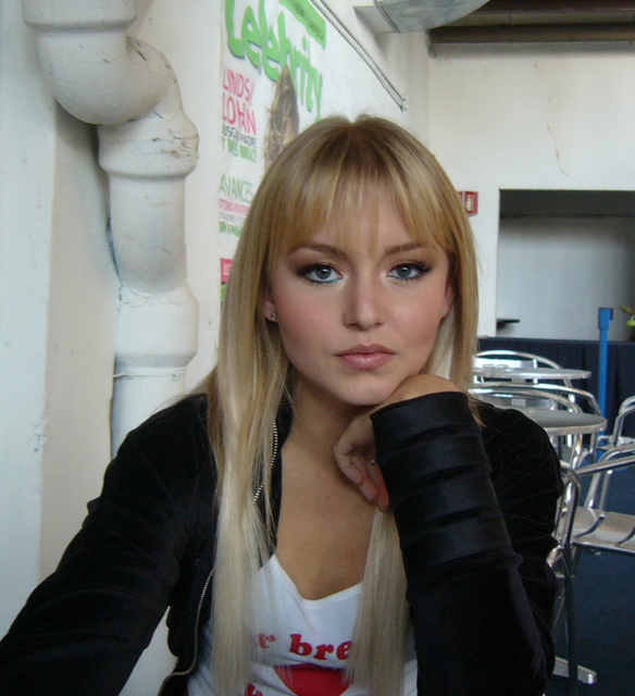 http://images2.fanpop.com/image/photos/10300000/-angelique-angelique-boyer-10370476-584-640.jpg