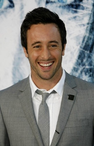 Alex - alex-oloughlin Photo