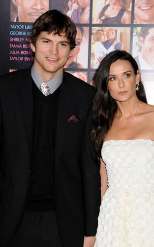 Ashton Kutcher and Demi Moore at the 'Valentine's Day' premiere