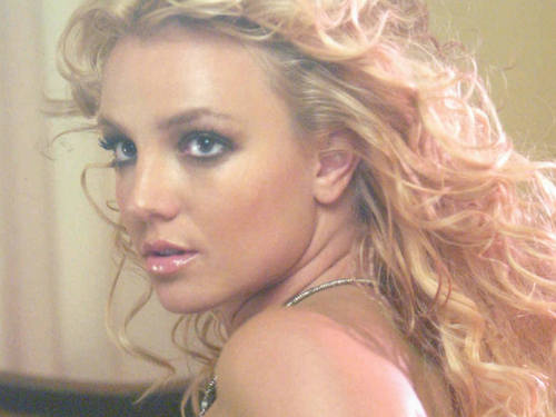 Beautiful Britney kertas dinding