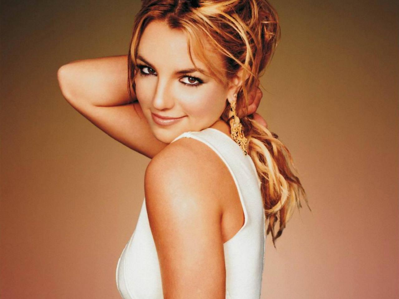 Britney In The Zone fondo de pantalla