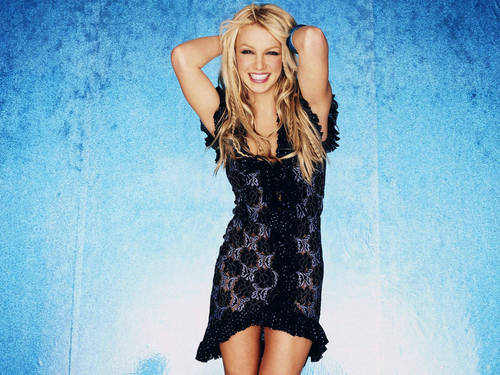 Britney Pretty Dress kertas dinding