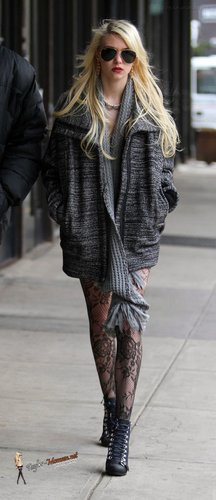 Dec 14: On the set of 'Gossip Girl' in NYC