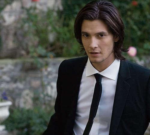 Dimitri Belikov (Ben Barnes) Vampire Academy によって Richelle Mead
