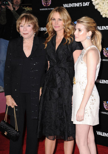 "Emma And Julia Roberts on the ""Valentine's Day"" Los Angeles Premiere - Red Carpet"