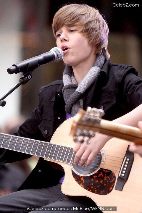 GUITAR!!! - Justin Bieber Photo (10362404) - Fanpop  GUITAR!!! - Jus...