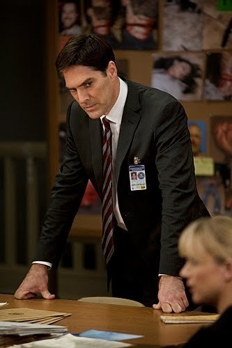 "Hotch- 5x15 ""Public Enemy""- Promo تصویر"