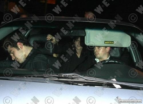 Kristen leaving new nightclub La Vida in Los Angeles - 12/2/10