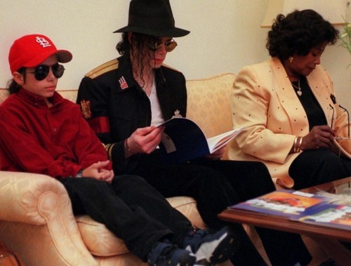 MJ «'3