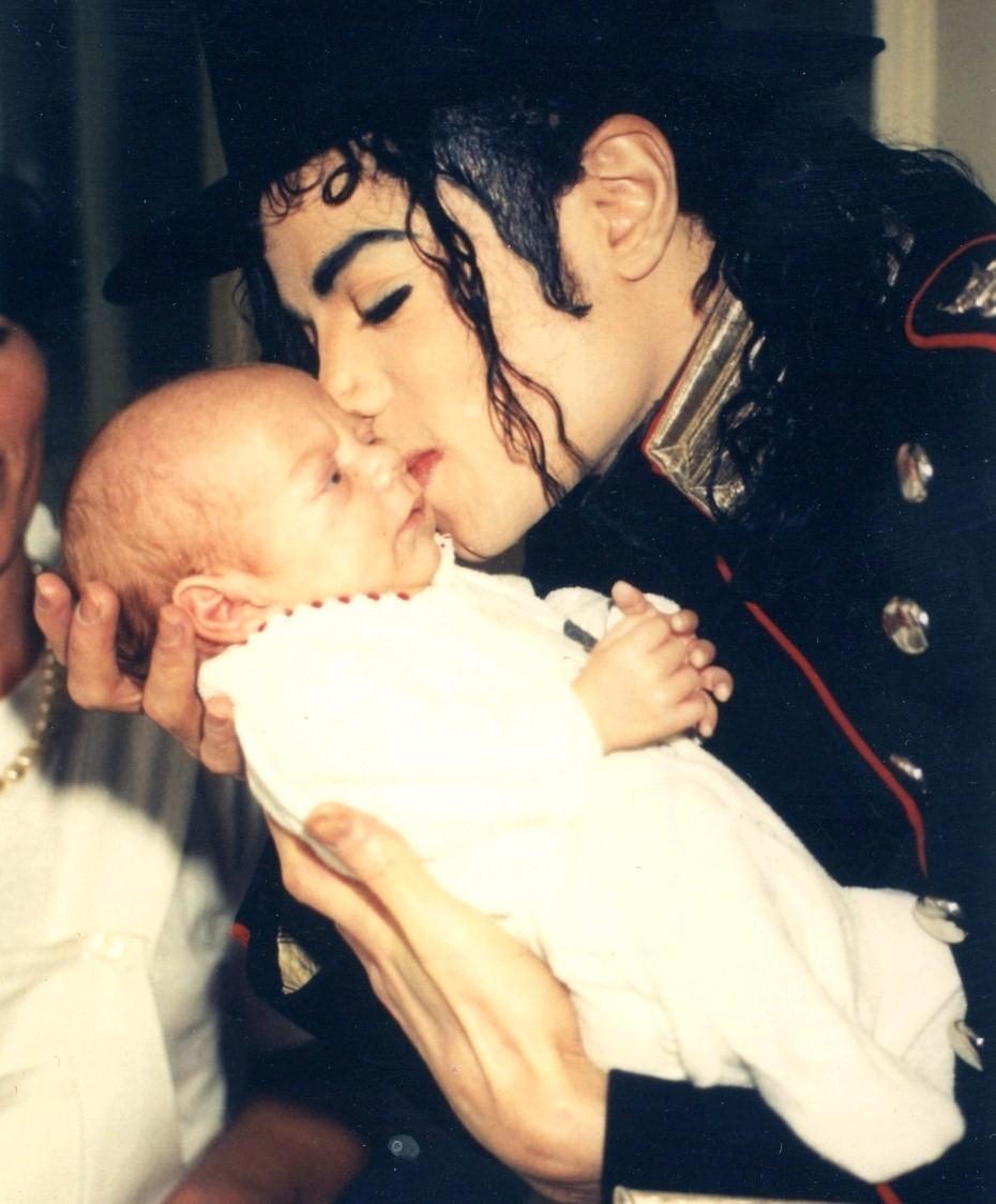 Michael *.* Cinta anda