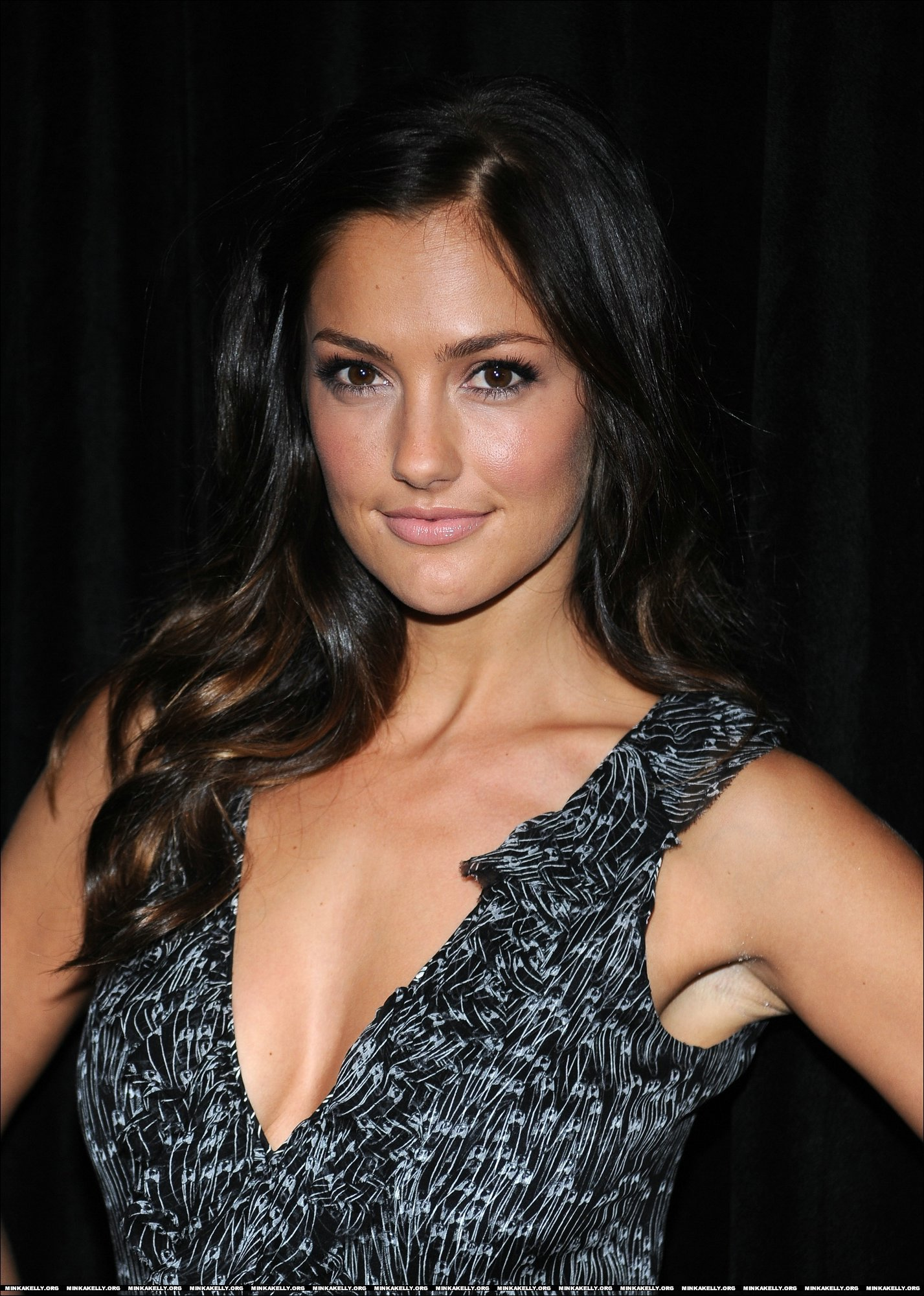 Minka Kelly - Photo Gallery