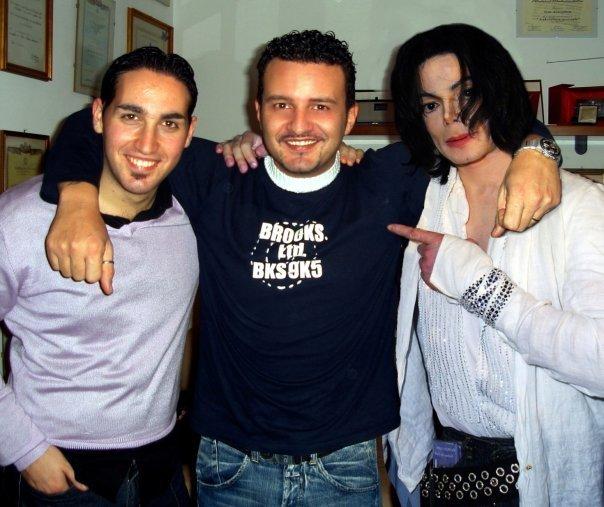 más MJ