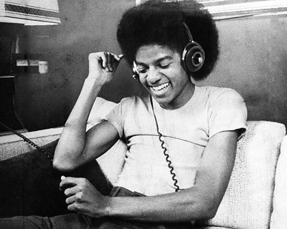 Muzik always :)