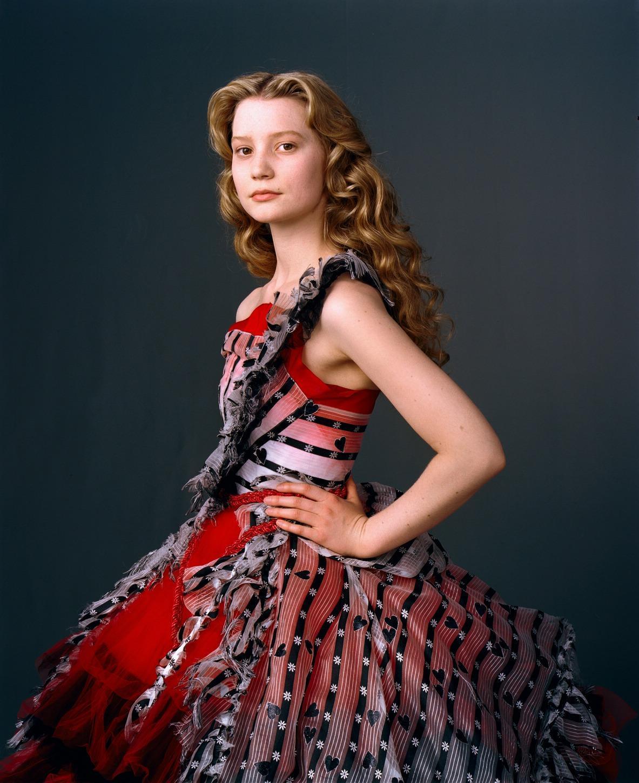 Mia Wasikowska Is Alice In Wonderland Apps Directories