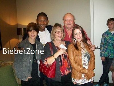 a picture of justin bieber mom and dad. justin bieber mom and dad.