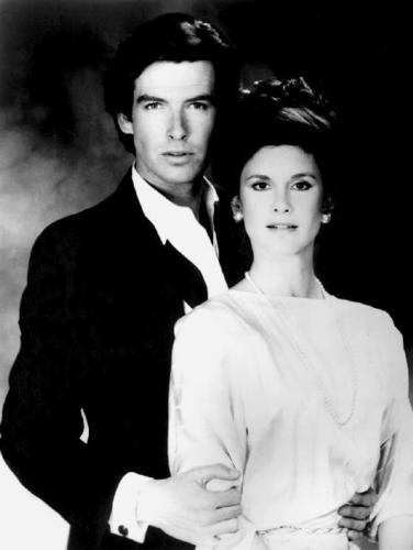 Remington Steele দেওয়ালপত্র titled Remington&Laura
