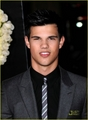 Taylor Lautner At The 'Valentine's Day' Premiere - twilight-series photo