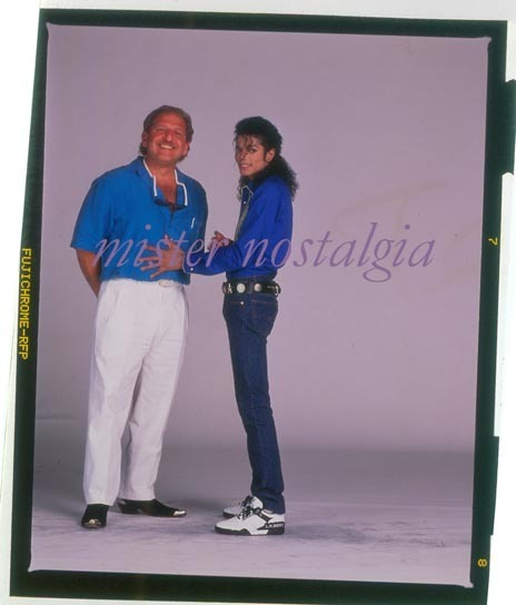 There is no remedy for love, but to Cinta more... <3 U MJ