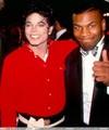 :) Sorry MJ fans im putting up LOADS of Mj pics but i hope you like them though <3 :) - michael-jackson photo