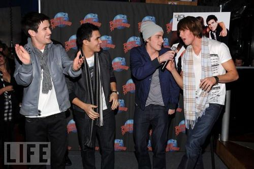 Big Time Rush- singing