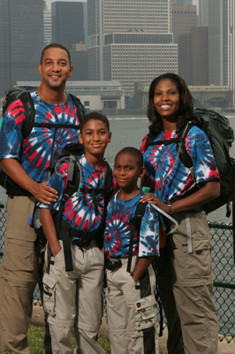 The Amazing Race Hintergrund entitled Black Family